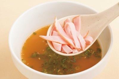ハムはスープが染み込んでウマイ