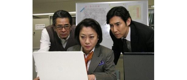 おなじみの十津川メンバーの古谷一行、山村紅葉、高嶋政伸(写真左から)