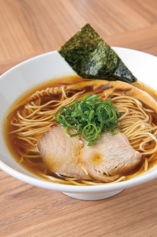 日本そばを食べているかと思わせる歯切れのよい麺+すっきりスープ