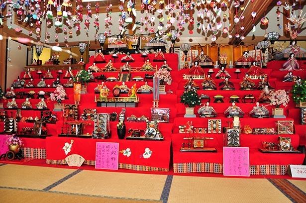 貴重なひな飾りが揃う「東海道のおひなさま」