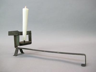 今では見かけない自在手燭の展示も