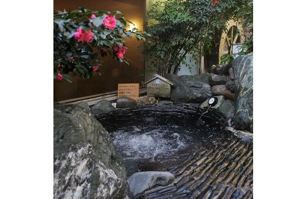 男湯のみの備長炭水風呂は臓器を癒す効果が期待できる
