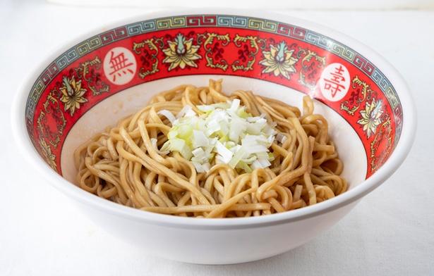 拌麺(台湾の汁なし麺・600円)。 ネギ油が効く / 台風大飯店