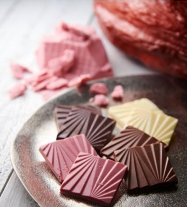 【シャトレーゼ】カカオを愉しむチョコレート ルビーチョコレート入