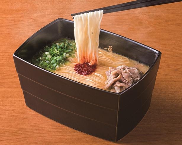 100%とんこつ不使用ラーメン(1,180円)。スープは豚骨の代わりに鶏などを使って完成させた
