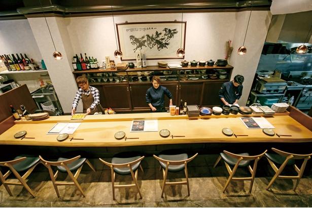 1Fカウンター。2Fは団体用のテーブル席を用意 / 博多店屋町 ゾノブリアン