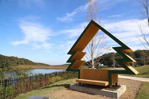 湖と山の緑を眺めながらゆっくり過ごそう