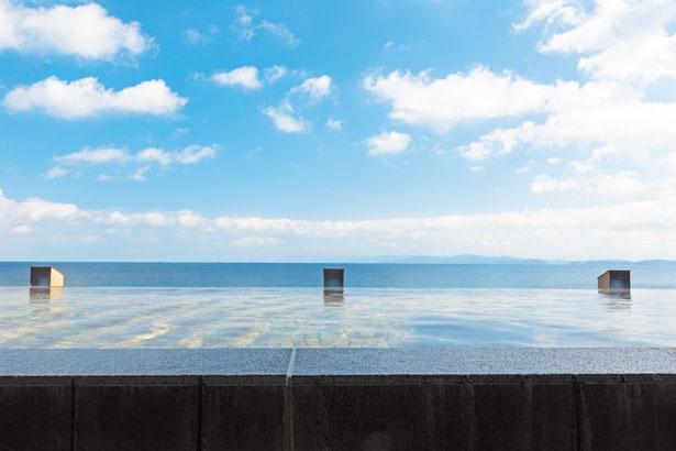 海と温泉が一体となるインフィニットスパの「湯賓閣 天宮の雫」/淡路夢泉景