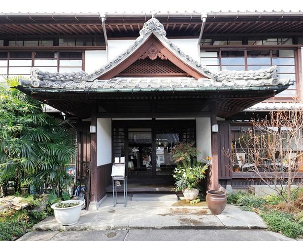 冨士屋 Gallery 一也百 / 建物は国の登録有形文化財に指定