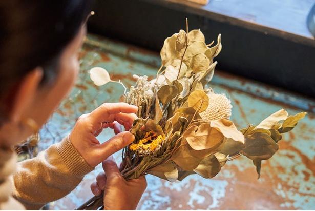 100種以上の花がそろう。好みと予算を聞いて、その場で作ることも / driedflowers shop KUSAKANMURI