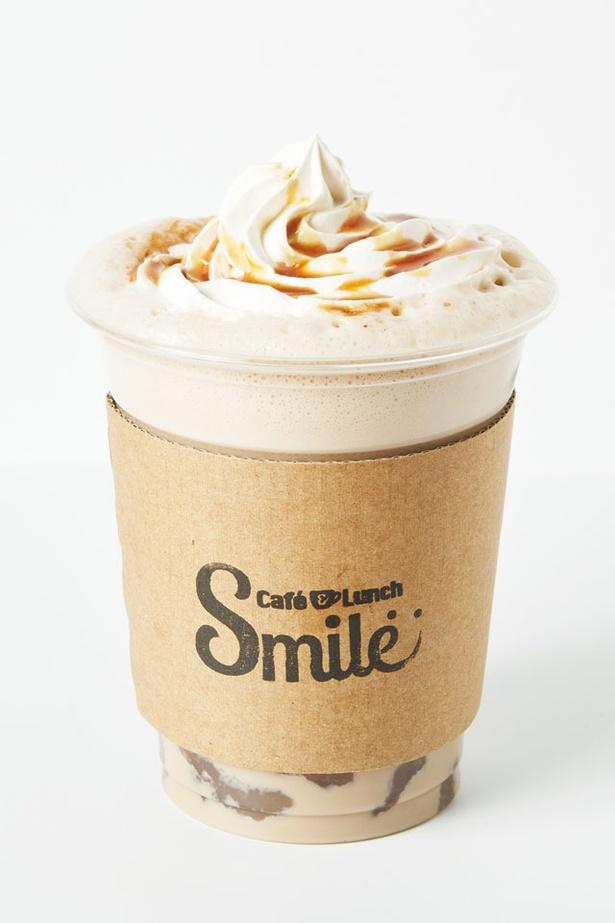 全ドリンクに+150円でわらび餅を追加できる / Cafe&Lunch Smile