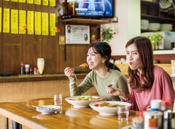 波打食堂 / オムカレー(850円・税込)、あんかけ焼き飯(850円・ 税込)