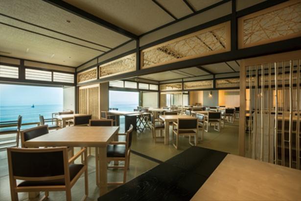 昼食は穏やかな海を眺められる和室「瀬戸内ダイニング」で/絶景露天風呂の宿 銀波荘