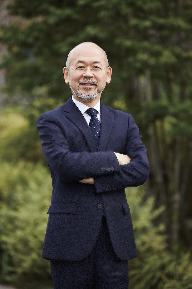 【写真を見る】『大阪中之島美術館』初代館長に就任した菅谷富夫氏