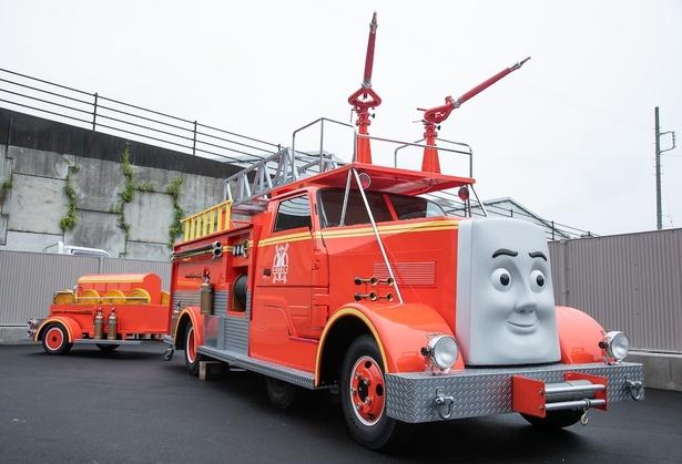 【写真を見る】大井川鐵道新金谷駅構内では「とくしゅしょうぼうしゃのフリンに会える!きかんしゃトーマス号の整備工場」を開催