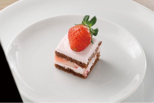 「イチゴとチョコのショートケーキ」