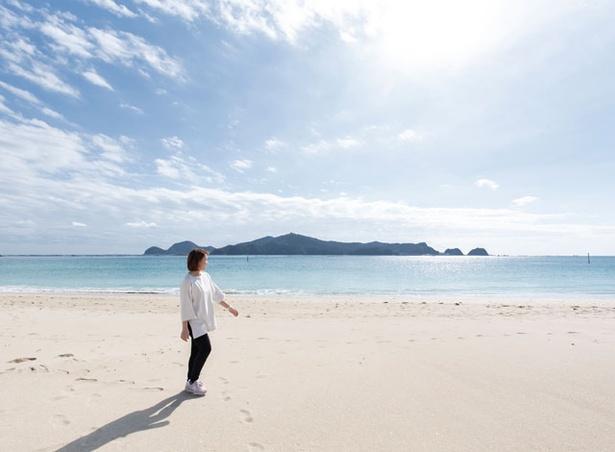 下阿蘇ビーチ / ビーチ全長は約1km。島浦島を望む景色は「日向松島」と呼ばれるほど