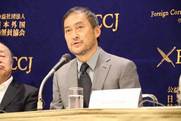 製作総指揮の角川歴彦