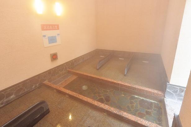昨年11月に登場した高濃度炭酸泉の寝湯コーナー/尼崎センタープール前 みずきの湯