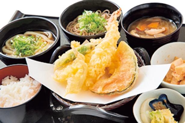 うはらキッチンのうはらよくばり御膳税込み1200円(時間:11:00〜23:00、LO22:30)/恋野温泉 うはらの湯