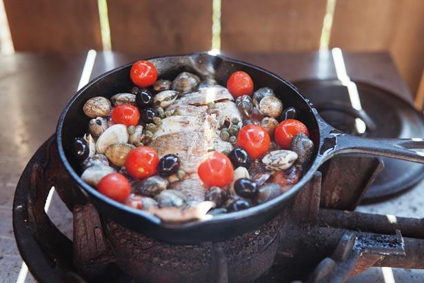 飯ごう、スキレット、ダッチオーブンなど調理器具はすべてレンタル無料で使える