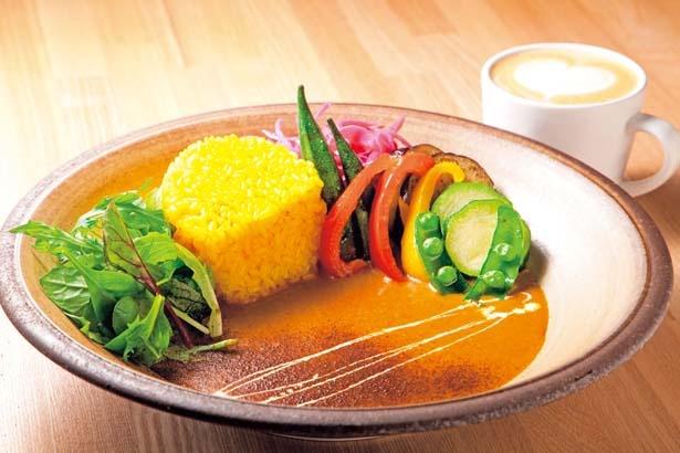 たっぷり野菜の風流自家製カレー(1100円・税込)/KAFE FURYU