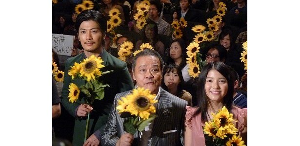 『星守る犬」舞台挨拶に登場した玉山鉄二、西田敏行、川島海荷