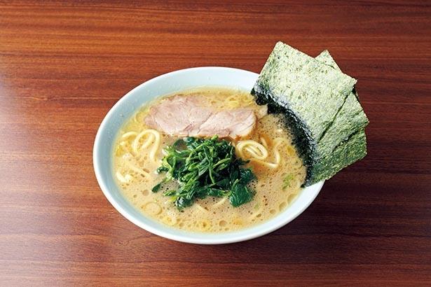 さっぱり仕上げたスープが絶妙。おしゃれな空間で横浜家系を