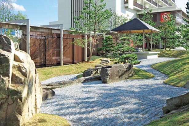 神戸の山と海を表現し、空間の芸術として高めた日本庭園/神戸みなと温泉 蓮