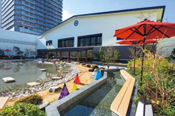 約1000坪ある広い庭園。足湯が3か所ありゆっくりと過ごせる/空庭温泉 OSAKA BAY TOWER