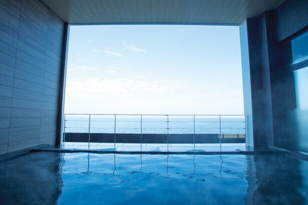 開放感のある露天風呂/アクアイグニス 関西空港 泉州温泉