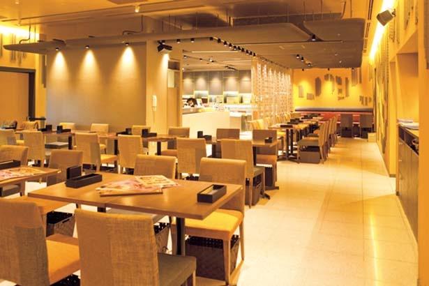 和をイメージした京都らしい内装が印象的/パティスリー&カフェ デリーモ