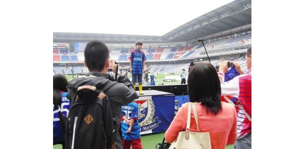 スタジアムをめぐった時にはお立ち台にも立たせてもらいました