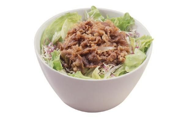 豆腐を使った超ヘルシー牛丼は、夜食べたいときにぴったり!すき家「牛丼Light」(380円)