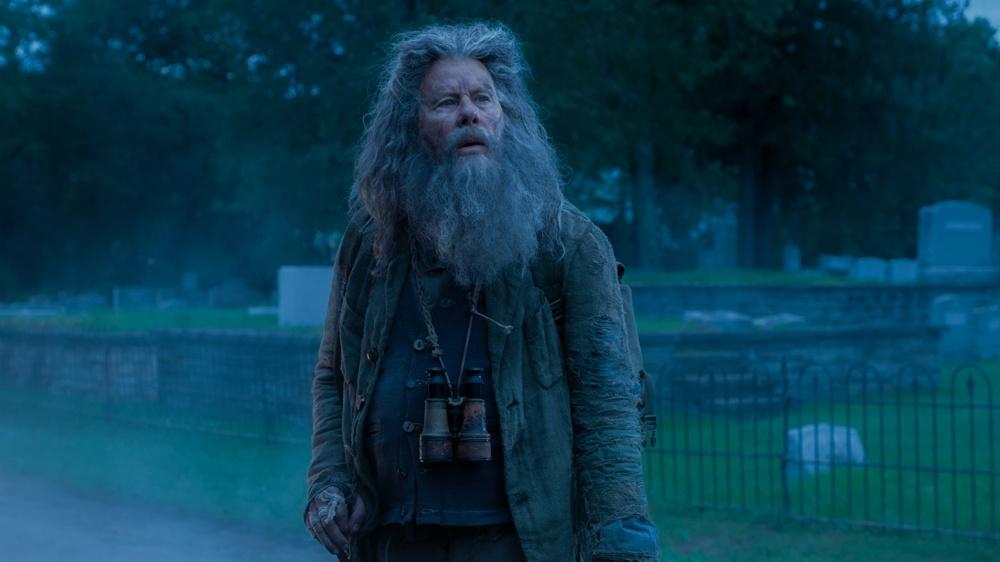 ジム・ジャームッシュ作品の常連トム・ウェイツも世捨て人役で出演している