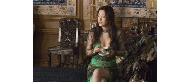 裏社会のドン、ランティンの妻アンナを演じる中国映画界の女王コン・リー