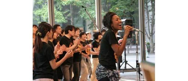 歌えば気持ちも晴れ晴れする!