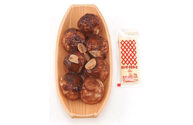 なんつッ亭 黒マー油たこ焼(340円、2/17(火)発売)は黒マー油とソースが絶品