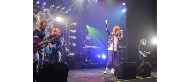 「対バン」ライブパフォーマンス