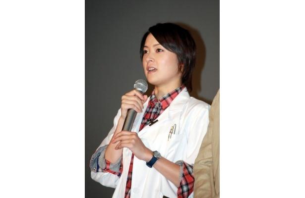 北川弘美は「よりチームワークよく事件解決にむけて活躍できればと思います」と笑顔