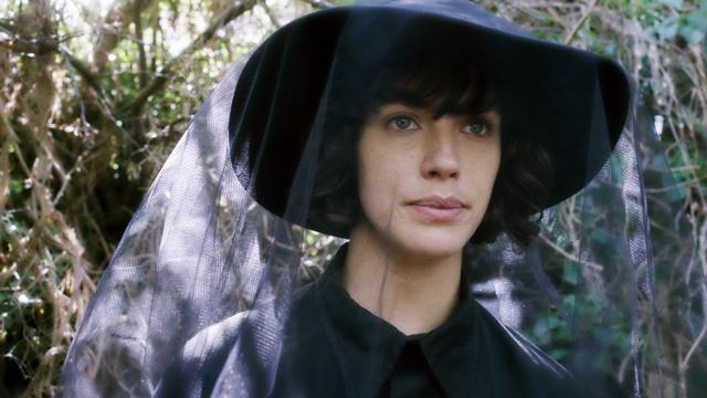 【写真を見る】植物嫌いの女性がガーデニングを通して成長していく『マイ ビューティフル ガーデン』