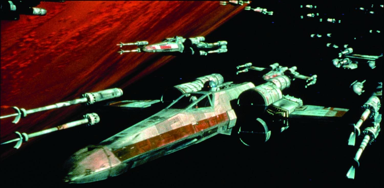 エピソード4で第1デス・スターを破壊するためルークも乗ったT-65
