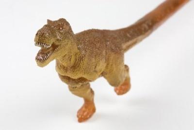 【画像】超リアル! 箸と一体化した恐竜たちの姿はこちらから