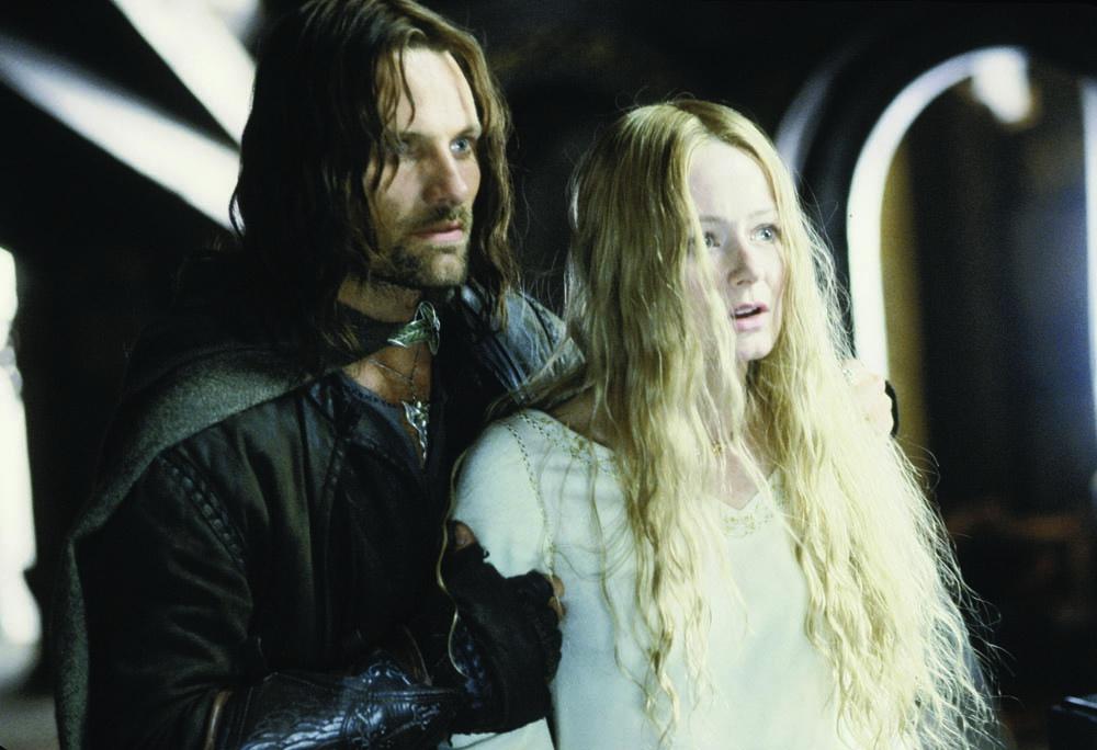 『ロード・オブ・ザ・リング/二つの塔』より、アラゴルンとローハンの王女エオウィン(ミランダ・オットー)