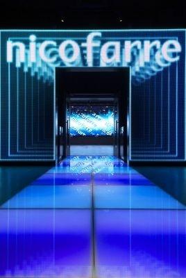 ニコ動によるライブハウス「ニコファーレ」のゲート。ステージでは壁面全てに配置されたLEDモニターで斬新な映像演出を行う予定だ