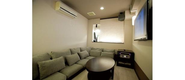 ニトリプロデュースの3部屋目は「和モダンルーム」。落ち着いた雰囲気でムード満点