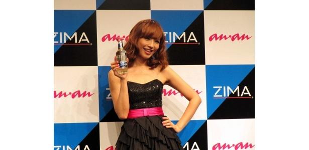 「Best Kisser 2011」を受賞した優木まおみ