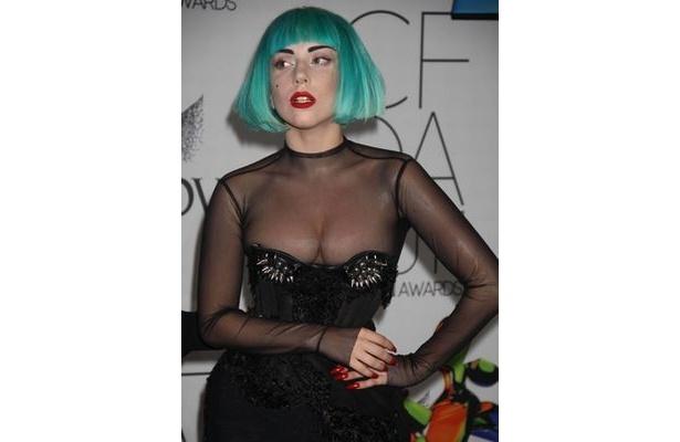 【写真】現地時間12日、シドニーのゲイクラブにシークレットゲストとして登場。サプライズパフォーマンスを行ったレディー・ガガ