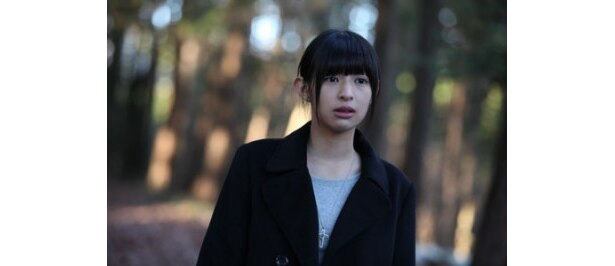 くりっと大きな瞳が印象的な日南響子は17歳の現役女子高生