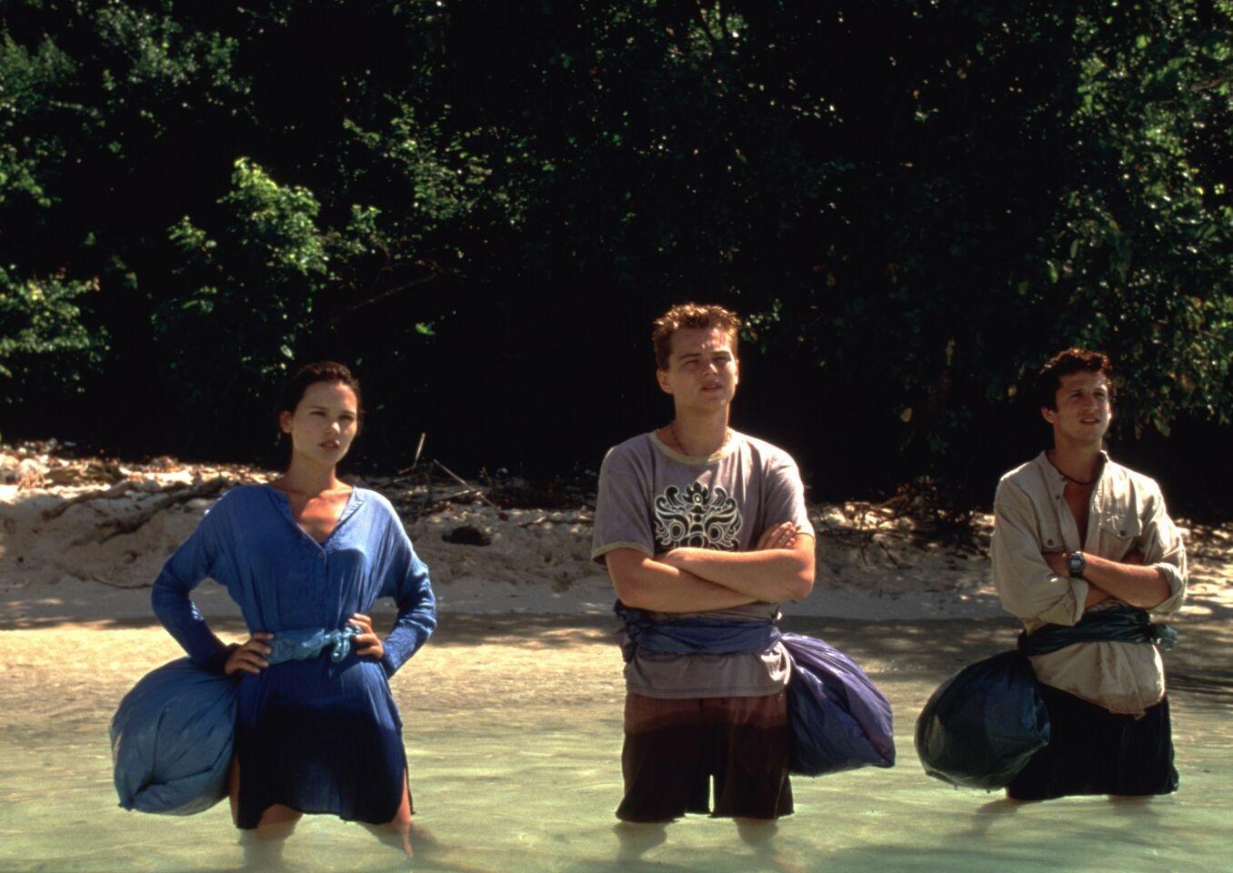 """秘密の孤島""""ザ・ビーチ""""へ渡った若者たちが見たものは…(『ザ・ビーチ』)"""